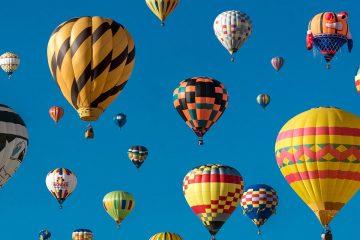 hot-air-balloon-2605323