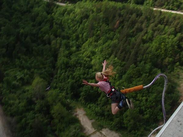 Скачане с бънджи от Витиня