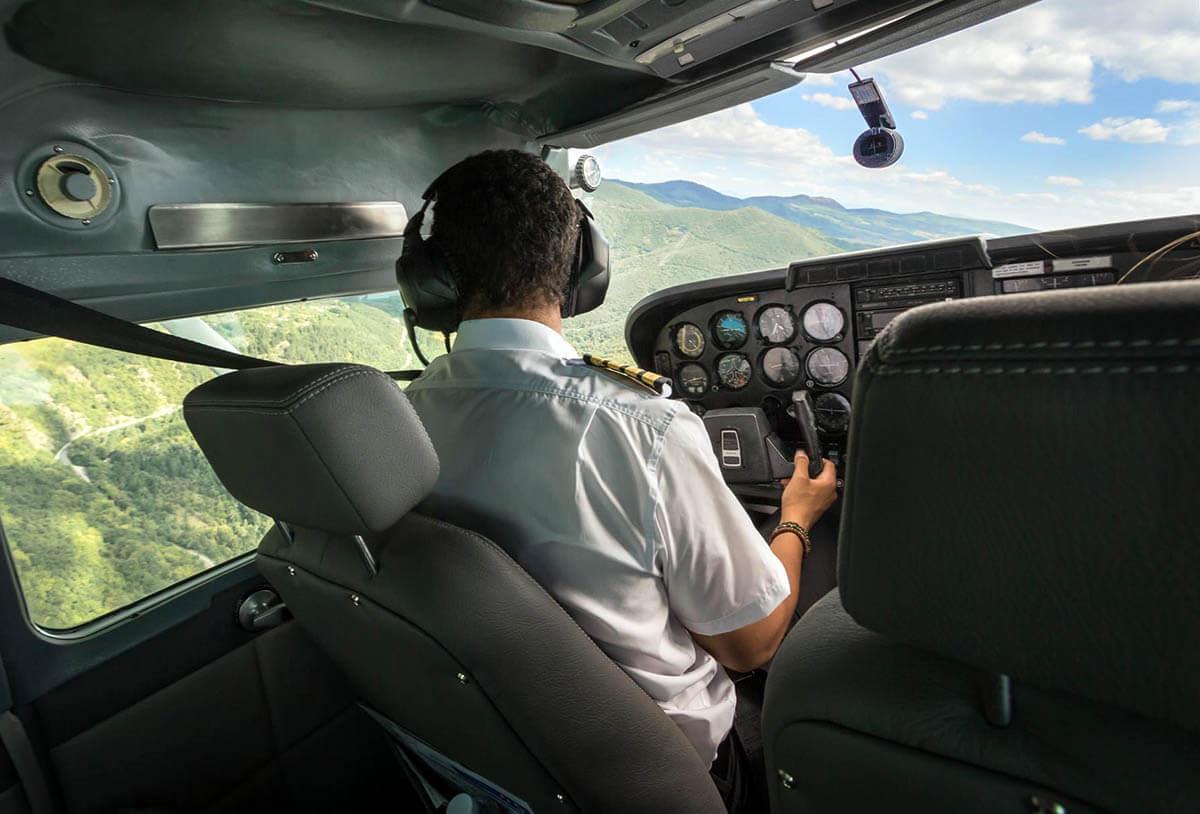 Пилот на частен самолет