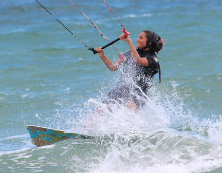 Кайт сърфистка