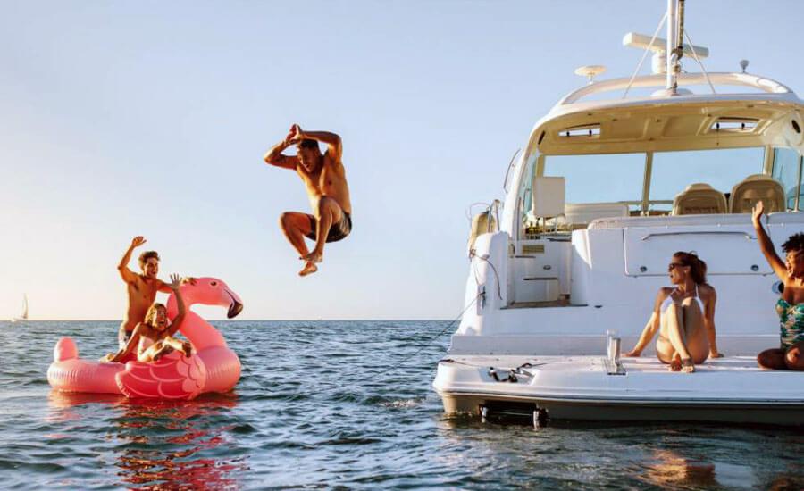 Скачане от яхта разходка